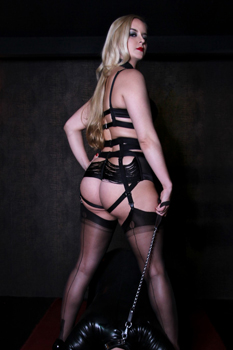 London Mistress Sandra