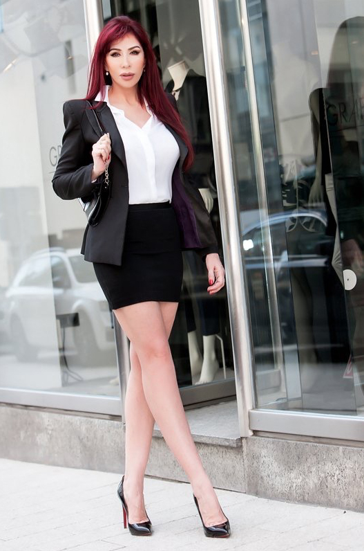 london-mistress-eve-business-suit
