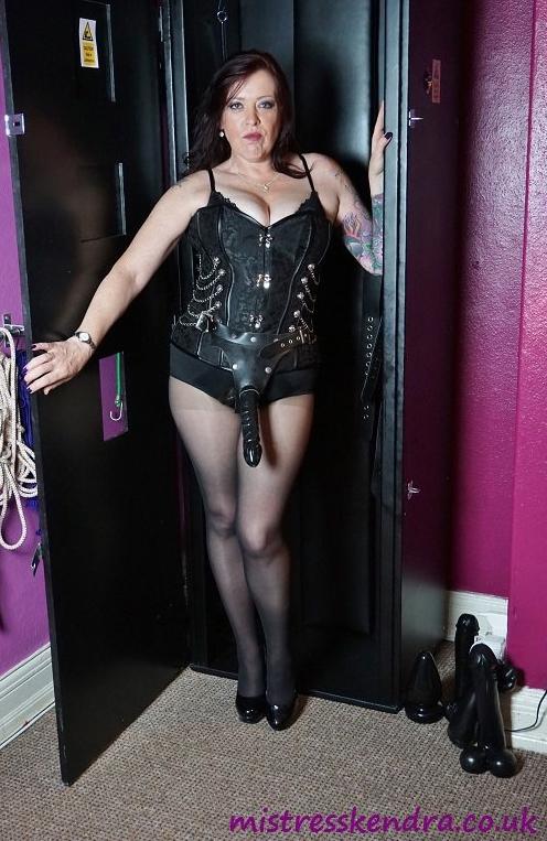 Bradford-Mistress-Kendra