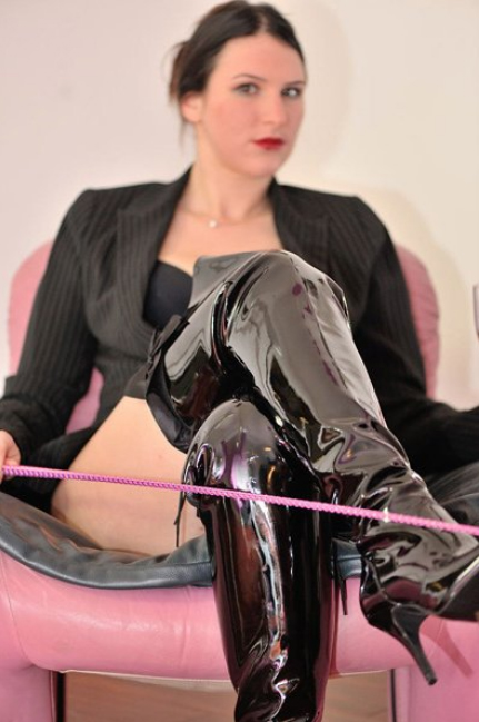 London-Mistresses-Miss-Ivy