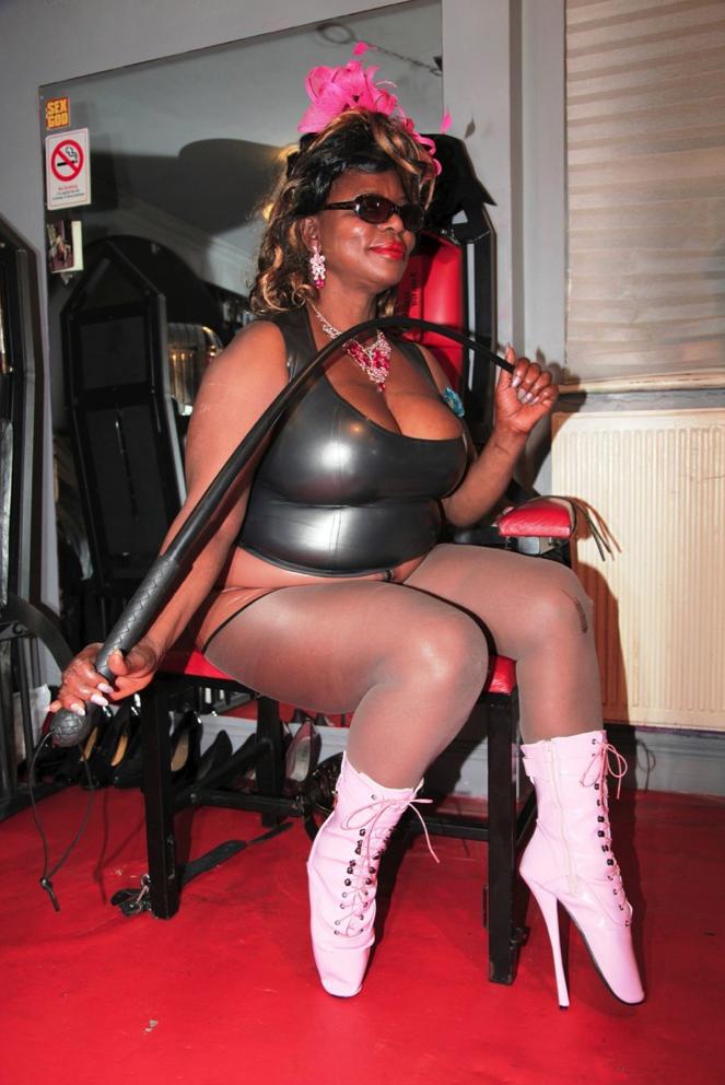 London-Mistresses-Goddess-Dionne