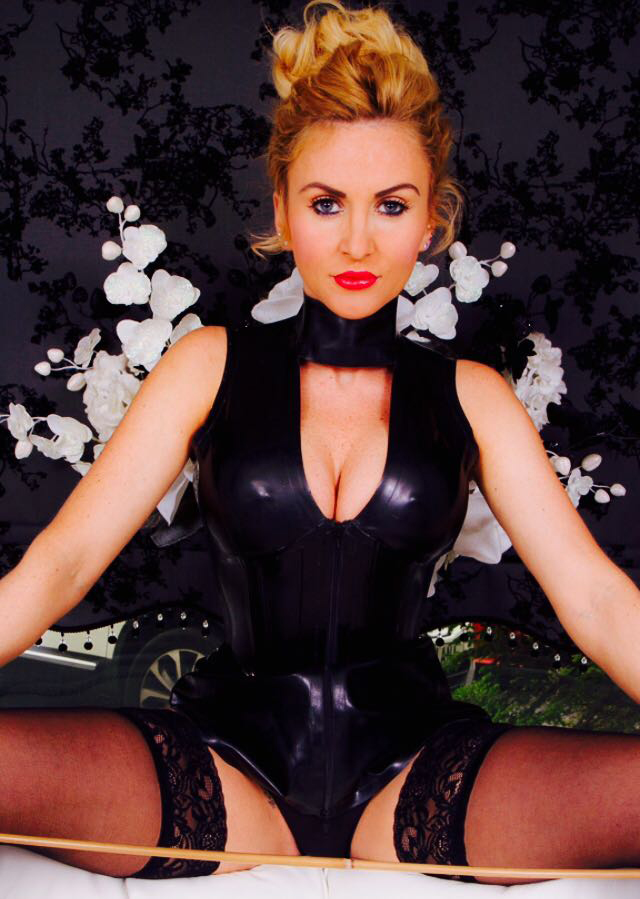 manchester-mistresses-miss-suzanna-maxwell
